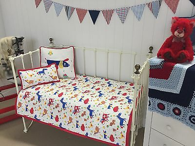 3 pce Boys Girls Cotton Quilted Baby Farm Nursery Cot Quilt  2 Cushions Farmyard