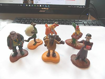 Set Of 6 Chicken Run Figures   Good Condition