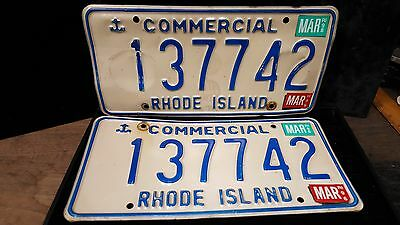 1 set/Pair of RI License Plates commercial# 137742