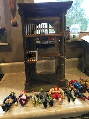 1987 Ghostbusters Fire House - Incomplete With Some Accessory Figures