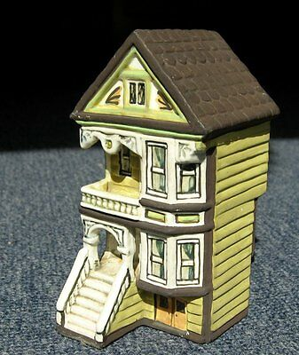 Miniature bisque porcelain American style house model 4.3/4 inches tall