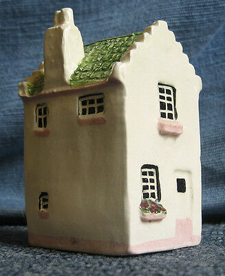 Sulleys miniature pottery white house model 3.1/4 inches tall