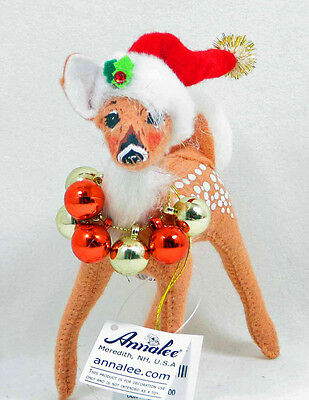 "Christmas FAWN WITH ORNAMENT WREATH Reindeer Decoration 5"" Figure Annalee 2008"
