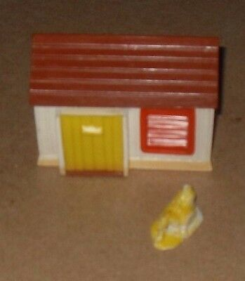 Farmyard Chicken Coup And Chicken With Chicks Figure