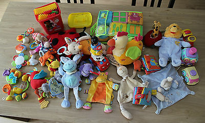 Gros lot 1er âge - winnie  doudou plat clipo playskool  fisher price Mee to you