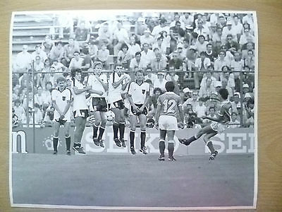 100% Org Press Photo-1982 WC FINALS- AUSTRIA v FRANCE;Free Kick Past Action to..