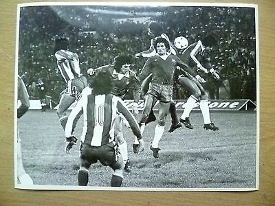100% Press Photo- 1981 Chile's L Garrida, R Dubo, R Valenzuela Action to Goal