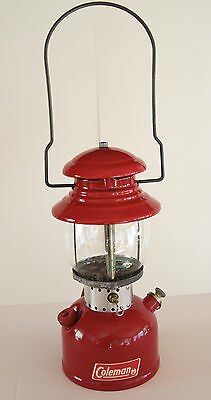 1964 Coleman 200 – T66 - Single mantle red lantern light lamp - Sunshine of the