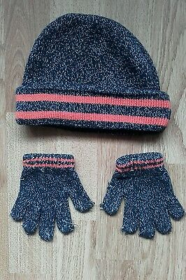 boys hat and gloves 3-6years