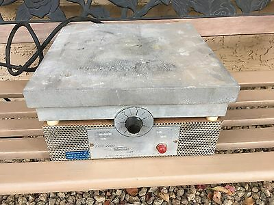 "Thermolyne Type 2200 12"" x 12"" HP-A2235M-XX Hot Plate 0-600*F Laboratory"
