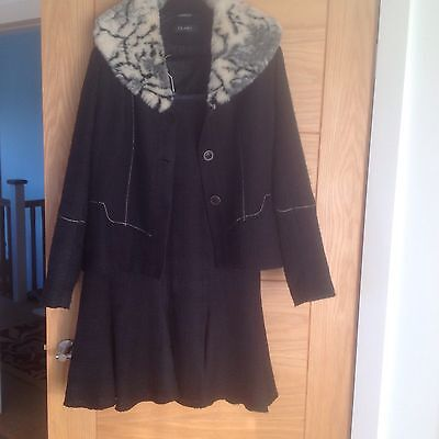 Beautiful Vintage Style Suit with Faux Fur Collar Size 14