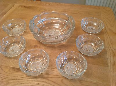 Vintage Glass Fruit/trifle Bowl And Six Dessert Dishes