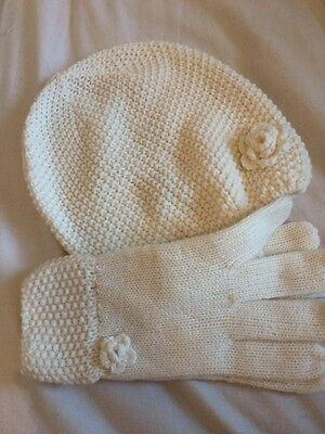 Woman's Cream Hat And Gloves