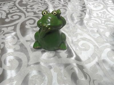 Small Frog Ornament