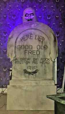 Haunted Mansion Graveyard Pop-Up Ghost Complete w/ Animatronics + Tombstone RARE