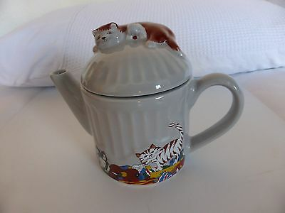 Wade Cat on Dustbin Collectable Tea Pot Exc Condition