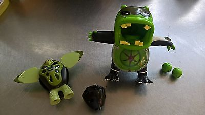 Ben 10 Action Figures - Ball Firing Upchuck And Spinning Turtle