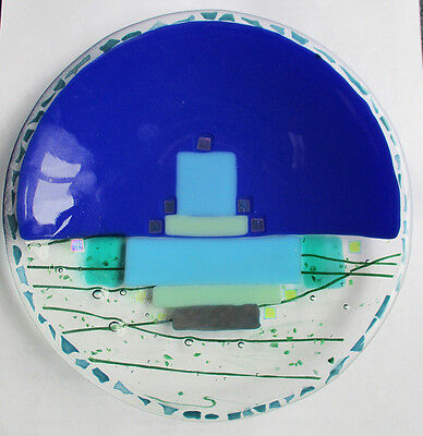 Abstract design good quality glass plate 7.1/4 inches diameter