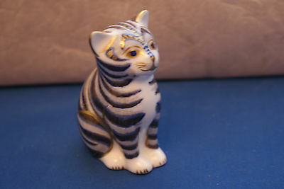 Collectors Guild Grey Kitten Cat  Paperweight Gold Stopper Royal Crown Derby