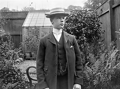 PHOTOGRAPHIC GLASS NEGATIVE CROMER NORFOLK c1895 YOUNG MAN IN BOATER