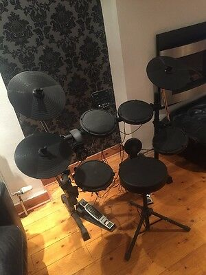 Alesis DM6 USB Drum kit And Stool