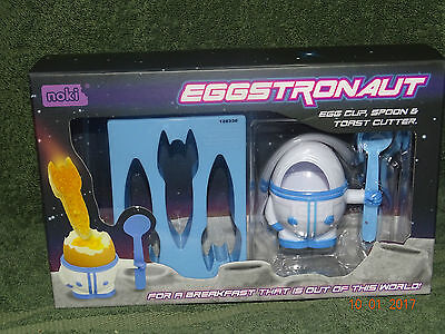 Eggstronaut, Astronaut eggcup, spoon and toast cutter