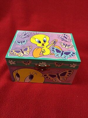 Looney Tunes Jewelry Music Box 1997 By Tri-Star Merrily We Roll Along Bugs Lola