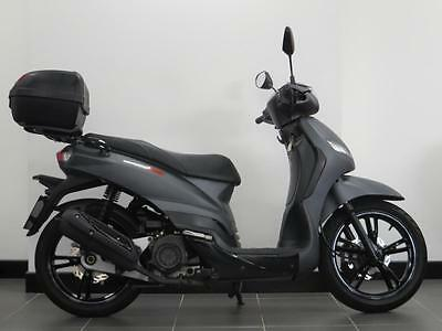 64 Reg Peugeot Tweet 125 Scooter With Top Box Immaculate Only 1249 Miles
