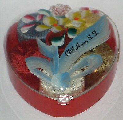 CLIFF HOUSE S.F. Souvenir SEWING KIT Painted PLASTIC Heart w/5 THREAD & THIMBLE