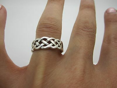 Size M Vintage Stunning Solid Silver Unique Classic Celtic Unisex Ring Mark 925