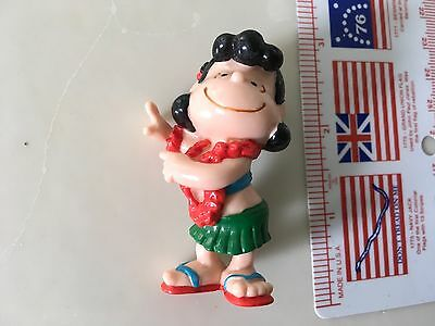 VINTAGE LUCY DOING HULA PVC-Peanuts-CAKE TOPPER-2.25 inch-Hawaii-Snoopy