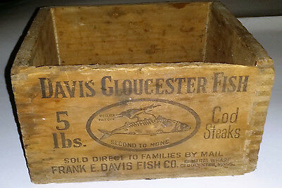 Antique Davis Gloucester Fish Wooden Dovetailed Shipping Box, 5 lbs