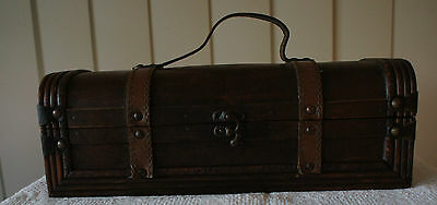 VINTAGE TIMBER with LEATHER TRIM WINE BOTTLE CARRIER