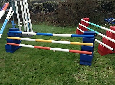 Poly Jump Show Jump Plastic Wings And 3 Poles (rrp New Over £200)
