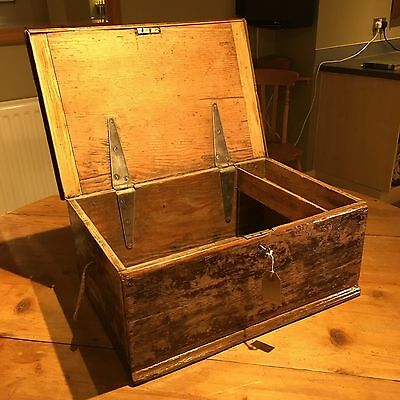 Vintage Chest - Art Tuck Box Shabby Chic Hobby Craft Wood Pine Painted