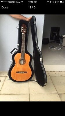 Aria AC25 Concert Classical Guitar with Case and tuners