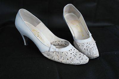 Vintage Broderie Anglaise heels size 6