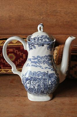 """MYOTT COUNTRY LIFE blue & white 10"""" teapot in very good condition"""