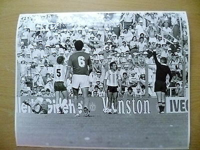 100% Org Press Photo-1982 WC FINALS-ITALY v ARGENTINA, Americo Gallego Sent Off
