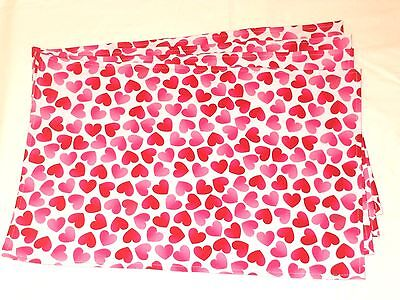 Valentines Day Holiday Red Pink Hearts White Set 4 of Placemats