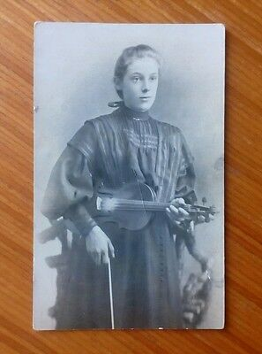 Vintage* Lady with a violin and bow.  Glossy photo.