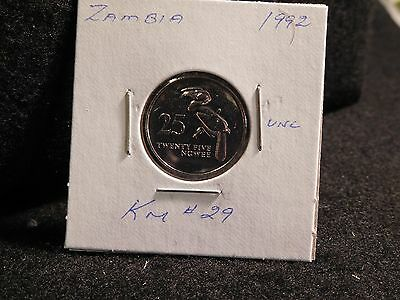 Zambia:   1992     25 Ngwee    Coin     (Unc.)    (#3903)  Km # 29
