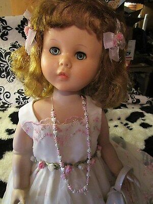 """HUGE Sweet Sue 31"""" tall~Darling outfit~Blonde hair~ Just adorable little girl"""
