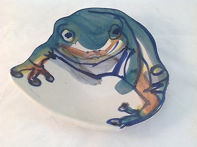 SOUTH AUSTRALIAN POTTERY Green Tree Frog HAND PAINTED DISH