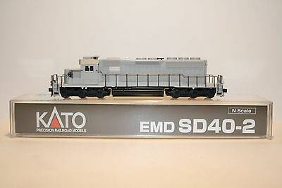 N Scale Kato SD40-2 Undecorated, Mid Production, Santa Fe Style, New