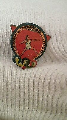 Melbourne olympic games 1956 Tin badge shot put