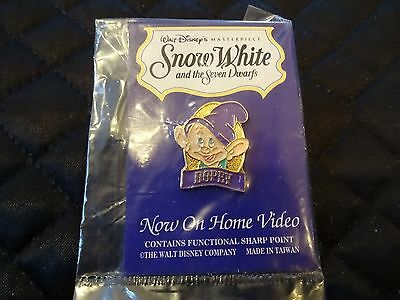Special Edition Pin Disney Snow White Collectors Series (Dwarf-Dopey) Video