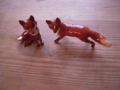 Beswick Sitting Fox 2.75 in tall. Standing Fox 4.5 in Long - Clean - Vintage.