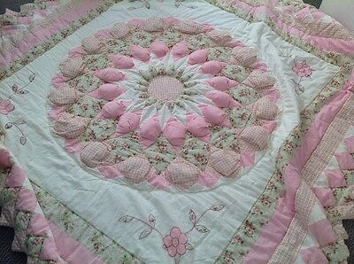 Patchwork Quit / Duvet / Bedspread - Pink And Cream - Boasheng - Double