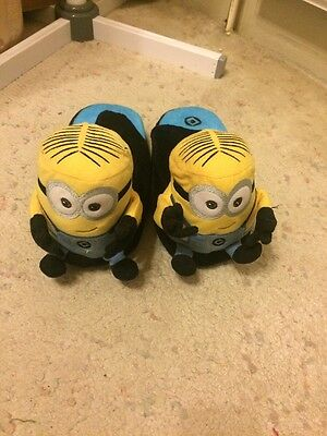 Minion Slippers With Pressure Pad To Move The Arms - Size L BNWOT